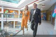 Fotoshooting Lugners - Lugner City - Do 27.10.2016 - Richard und Cathy LUGNER40