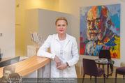 Zertifikat Überreichung - Ordination Wegrostek - Do 01.12.2016 - Eva WEGROSTEK (Portrait in der Ordination)2