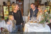 Cathy Lugner Geburtstagsfeier - Restaurant Angelo - Sa 10.12.2016 - Cathy LUGNER mit Tochter Leonie, Robin BADE19