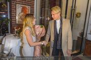 Cathy Lugner Geburtstagsfeier - Restaurant Angelo - Sa 10.12.2016 - Cathy LUGNER, Florian WESS35