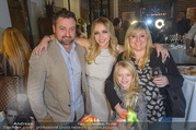 Cathy Lugner Geburtstagsfeier - Restaurant Angelo - Sa 10.12.2016 - Cathy LUGNER, Tochter Leonie, Schwester Beate, Bruder Rafael40