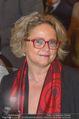 Andre Hellers Menschenkinder - Palais Niederösterreich - Di 13.12.2016 - Claudia BANDION-ORTNER (Portrait)28