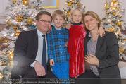 Weihnachtsball für Kinder - Hofburg - Mi 14.12.2016 - Anja RICHTER, Christian DEUTSCH mit Kindern Julius und Helene15
