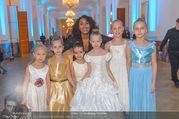 Weihnachtsball für Kinder - Hofburg - Mi 14.12.2016 - Ana Milva GOMES mit Kindern37