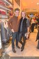 Opening - Brax Store Wien - Mi 14.12.2016 - Liliana KLEIN mit Freund47