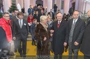 Erwin Pröll 70er Geburtstagsfeier - Stift Göttweig - Sa 17.12.2016 - Erwin PR�LL mit Ehefrau Sissi (Elisabeth)21