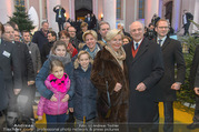 Erwin Pröll 70er Geburtstagsfeier - Stift Göttweig - Sa 17.12.2016 - Erwin PR�LL mit Ehefrau Sissi (Elisabeth) und Familie (Tochter)24