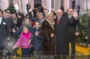 Erwin Pröll 70er Geburtstagsfeier - Stift Göttweig - Sa 17.12.2016 - Erwin PR�LL mit Ehefrau Sissi (Elisabeth) und Familie (Tochter)28