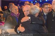 Erwin Pröll 70er Geburtstagsfeier - Stift Göttweig - Sa 17.12.2016 - Erwin PR�LL herzt Gratulanten34