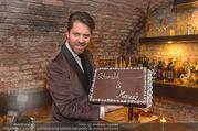Serafins Geburtstagsfeier - Kulinarium 7 - Di 20.12.2016 - Daniel SERAFIN mit Geburtstagstorte89