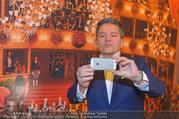 Opernball PK - Staatsoper - Mo 23.01.2017 - Alfons HAIDER macht Selfie1