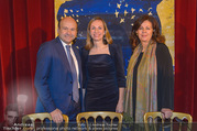 Opernball PK - Staatsoper - Mo 23.01.2017 - Maria GRO�BAUER GROSSBAUER, Dominique MEYER, Eva DINTSIS36
