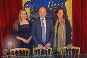 Opernball PK - Staatsoper - Mo 23.01.2017 - Maria GRO�BAUER GROSSBAUER, Dominique MEYER, Eva DINTSIS37