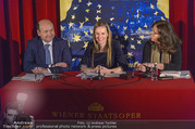 Opernball PK - Staatsoper - Mo 23.01.2017 - Maria GRO�BAUER GROSSBAUER, Dominique MEYER, Eva DINTSIS43