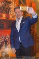 Opernball PK - Staatsoper - Mo 23.01.2017 - Alfons HAIDER macht Selfie6