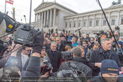 Angelobung Bundespräsident - Parlament und Volksgarten - Do 26.01.2017 - Alexander VAN DER BELLEN, Doris SCHMIDAUER mit Volk, Menschen114