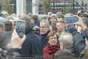 Angelobung Bundespräsident - Parlament und Volksgarten - Do 26.01.2017 - Alexander VAN DER BELLEN, Doris SCHMIDAUER mit Volk, Menschen128