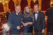 Polizeiball - Rathaus - Fr 27.01.2017 - Karl MAHRER mit Ehefrau Christina, Manfred DENNER1