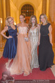 Ball der Wiener Wirtschaft - Hofburg - Sa 11.02.2017 - Zoe STRAUB, Vera B�HNISCH, Fr�ulein MAI, Diana LUEGER69