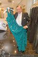 Lugner Kleidanprobe ohne Frau - Popp & Kretschmer - Sa 18.02.2017 - Richard LUGNER mit Kleidern aber ohne Frau14