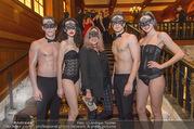 Michael Lameraner 40er - Park Hyatt - Sa 18.02.2017 - Sonja KIRCHBERGER mit Models12