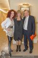 Goldie Hawn PK und Autogrammstunde - Lugner City - Mi 22.02.2017 - Christina und Richard LUGNER, Goldie HAWN2