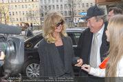 Goldie Hawn PK und Autogrammstunde - Lugner City - Mi 22.02.2017 - Goldie HAWN, Richard und Jacki Jacqueline LUGNER9