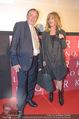 Goldie Hawn PK und Autogrammstunde - Lugner City - Mi 22.02.2017 - Goldie HAWN, Richard LUGNER14
