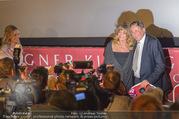 Goldie Hawn PK und Autogrammstunde - Lugner City - Mi 22.02.2017 - Goldie HAWN, Richard LUGNER im Blitzlichtgewitter28