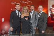 Goldie Hawn PK und Autogrammstunde - Lugner City - Mi 22.02.2017 - Goldie HAWN mit Fahrer Team35