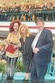 Goldie Hawn PK und Autogrammstunde - Lugner City - Mi 22.02.2017 - Goldie HAWN, Richard und Christina LUGNER56