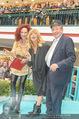 Goldie Hawn PK und Autogrammstunde - Lugner City - Mi 22.02.2017 - Goldie HAWN, Richard und Christina LUGNER57