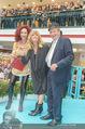 Goldie Hawn PK und Autogrammstunde - Lugner City - Mi 22.02.2017 - Goldie HAWN, Richard und Christina LUGNER60