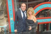 Goldie Hawn PK und Autogrammstunde - Lugner City - Mi 22.02.2017 - Goldie HAWN, Gerald FRIEDE68