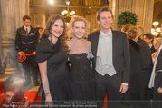 Opernball 2017 - Staatsoper - Do 23.02.2017 - Sunnyi MELLES mit Sohn Constantin SAYN-WITTGENSTEIN91