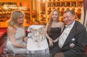 Opernball 2017 - Staatsoper - Do 23.02.2017 - Goldie HAWN, Richard und Jacqueline LUGNER Logenfoto159