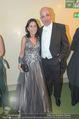 Opernball 2017 - Staatsoper - Do 23.02.2017 - Danielle SPERA mit Ehemann232