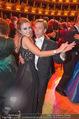 Opernball 2017 - Staatsoper - Do 23.02.2017 - Cathy LUGNER, Helmut WERNER beim Tanzen, Ballsaal255
