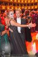 Opernball 2017 - Staatsoper - Do 23.02.2017 - Cathy LUGNER, Helmut WERNER beim Tanzen, Ballsaal257