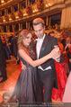 Opernball 2017 - Staatsoper - Do 23.02.2017 - Gina-Lisa LOHFINK, Florian WESS beim Tanzen, Ballsaal258