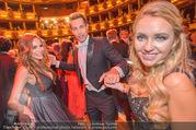 Opernball 2017 - Staatsoper - Do 23.02.2017 - Gina-Lisa LOHFINK, Florian WESS, Cathy LUGNER auf der Tanzfl�ch264