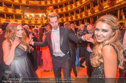 Opernball 2017 - Staatsoper - Do 23.02.2017 - Gina-Lisa LOHFINK, Florian WESS, Cathy LUGNER auf der Tanzfl�ch265