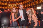 Opernball 2017 - Staatsoper - Do 23.02.2017 - Gina-Lisa LOHFINK, Florian WESS, Cathy LUGNER auf der Tanzfl�ch267