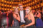 Opernball 2017 - Staatsoper - Do 23.02.2017 - Gina-Lisa LOHFINK, Florian WESS, Cathy LUGNER auf der Tanzfl�ch270