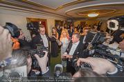 Opernball 2017 - Staatsoper - Do 23.02.2017 - Medienrummel, Presse, Fotografen um Goldie HAWN, Richard LUGNER279