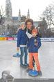 SuperFit Charity Eisstockschießen - Rathausplatz - Mi 08.03.2017 - Arabella KIESBAUER mit Kindern Nika und Neo11