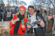 SuperFit Charity Eisstockschießen - Rathausplatz - Mi 08.03.2017 - Sylvia GRAF, Christian SPATZEK15