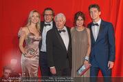 FIlmball Vienna 2017 - Rathaus - Fr 24.03.2017 - Familie Peter WECK mit Tochter Barbara und Sohn Philipp109