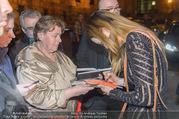 Dancer against Cancer Frühlingsball - Hofburg - Sa 25.03.2017 - Madeline ZIMA gibt Autogramme50