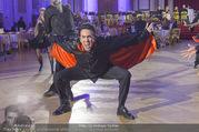 Dancer against Cancer Frühlingsball - Hofburg - Sa 25.03.2017 - Josef WINKLER als Vampir  (tanzen)348